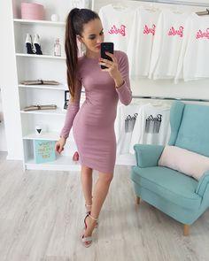 43f51393a783 Púdrovo-ružové športové šaty s dlhým rukávom