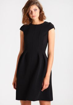 KIOMI Jersey dress - black - Zalando.co.uk