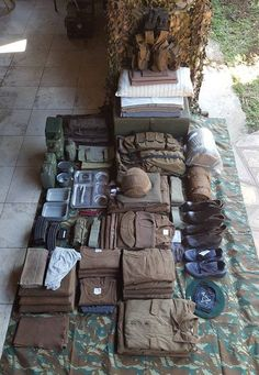 Pak jo kit in jo webbing en trommel South African Air Force, Troops, Soldiers, Army Day, Vietnam War Photos, Defence Force, Military Equipment, African History, Special Forces
