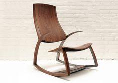 """Fraaie vrijhangende schommelstoel in hout (en staal) """"Rocker No. 1"""" by designer/maker Reed Hansuld (Canada/USA)"""