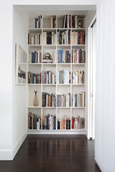 ideas-to-decorate-an-end-wall-or-long-narrow-hallway-with-a-bookcase-or-bookshelves-via-luxe-design