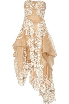 ALEXANDER MCQUEEN Lace and organza strapless gown(whatever you do, don't click the link and look at the price. it will break your heart)