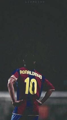 Ronaldinho English Football League, Football Is Life, School Football, Sport Football, Best Sports Quotes, Legends Football, Man Of The Match, Sports Personality, Football Wallpaper