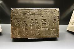 Tavoletta in geroglifico,  Museo egizio Torino, Italia foto, D. Alberti