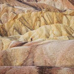 O Vale da Morte... parece magnífico! :) #nevada #deathvalley #deathvalleynationalpark #us #travel #landscape #instatravel #california #badwaterbasin #travelphotography #roadtrip #desert