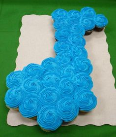 musical note pull apart cupcake cake - Treat for after a recital?