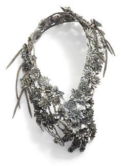 Hanna Hedman Exhibition - Black Bile - Platina Gallery - of of March 2013 I Love Jewelry, Statement Jewelry, Jewelry Art, Jewelry Accessories, Jewelry Necklaces, Jewelry Design, Fashion Jewelry, Unique Jewelry, Jewellery Box