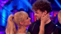 Jay e @AlionaVilani na final do Strictly Come Dancing. (19 dez.)