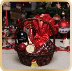 Cos cadou de Craciun All in Red - KarinGifts.ro Christmas 2015, Cos, Picnic, Basket, Gifts, Presents, Picnics, Favors, Gift