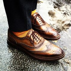 ..a good pair of Oxfords. Really! There's nothing sexier than that when a woman's eye go way down south!