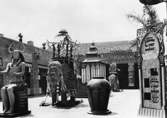"""Who knew there was a Grauman's Egyptian Theatre? So popular that Grauman's Chinese Theatre was built soon after. First ever Hollywood premiere movie opened here: """"Robin Hood"""" with Douglas Fairbanks."""