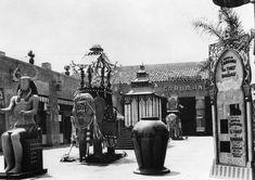 Grauman's Egyptian Theatre - 1923