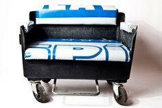 shit happens?! - nicht bei unseren long_ton_möbel. auch ein müllcontainer sich ein upcycling verdient und deshalb haben wir daraus eine sehr trendige und bequeme couch gefertigt, die durch seine rollen überall flexibel einsetzbar ist.