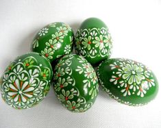 Set of 5 Green Hand Decorated Colours Painted Chicken Easter Egg, Traditional Slavic Wax Pinhead Chicken Egg, Kraslice, Pysanka Easter Egger Chicken, Chicken Eggs, Easter Egg Crafts, Easter Eggs, Egg Shell Art, Easter Egg Designs, Diy Ostern, Easter Traditions, Egg Art