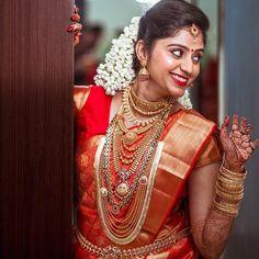Image may contain: 1 person Kerala Hindu Bride, Kerala Wedding Saree, Indian Wedding Bride, Wedding Girl, South Indian Bride, Indian Bridal Outfits, Indian Bridal Fashion, Malayali Bride, Bridal Jewellery Inspiration