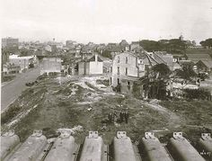 Looking south from the end of Span No 1 at a property to be demolished for the construction of the Sydney Harbour Bridge, 28th June 1927 #sydney #history #sydneyharbourbridge http://fat.ly/tjvR (Instagram Image from @beliefmedia, 12th March 2017 8:48pm).