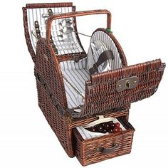 Deluxe Willow Picnic Basket for 2