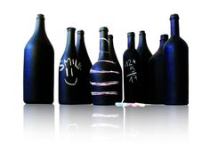 Bottiglie diverse si trasformano in vasi lavagna - Glass bottles transformed in unique decorative vases which are also blackboards