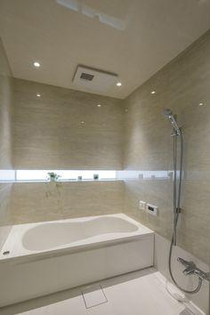 Bathtub Refinishing and Reglazing - Easy DIY Guide Home Room Design, Bathroom Interior Design, House Design, Luxury Bathtub, Bathtub Remodel, Wet Rooms, Simple Bathroom, House Rooms, Home Goods