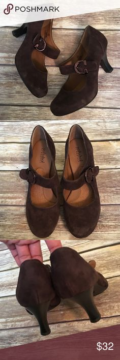 """❗CLEARANCE ❗SoftShoe Faux Suede Shoes SoftShoe Brown Faux Suede Shoes. These are super comfortable! Heel height 3"""" softshoe Shoes"""