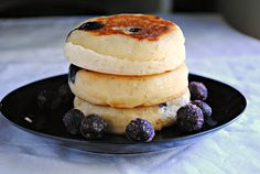 Nutrition in a peanut shell: Blueberry English Muffins