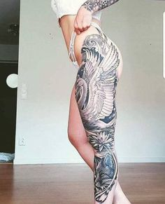 TATTO GIRL Weird Tattoos, Badass Tattoos, Pretty Tattoos, Beautiful Tattoos, Black Tattoos, Awesome Tattoos, Tatoos, Full Body Tattoo, Body Art Tattoos