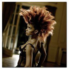 "Eva Simons ""Renegade"" - Video  http://tienesqueescucharesto.blogspot.com.es/2012/06/eva-simons-renegade-music-video.html#"
