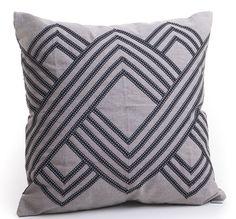 Ateliê Lider beleza e aconchego em almofadas, colchas, mantas, roletes, porta-travesseiros, futons 7