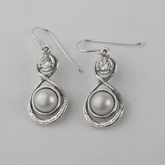 Special Pearl 925 Silver Earrings With White Stone