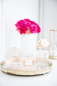 Makeup Vanity Ideas Beauty Room Perfume Display Ideas For 2019 Perfume Display, Perfume Tray, Chanel Perfume, Perfume Organization, Makeup Organization, Perfume Storage, Vanity Decor, Vanity Tray, Vanity Ideas