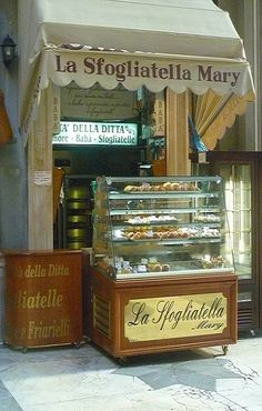 La sfogliatella di Mary, Galleria Umberto I, Napoli. OMG my Dad would have stood in line for this, hot out of the oven.
