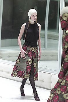 Alexander McQueen | Spring 2001 Ready-to-Wear Collection | Style.com