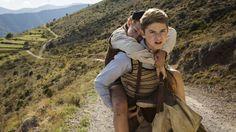Dans Un sac de billes, Dorian Le Clech, 12 ans, et Batyste Fleurial, 17 ans, incarnent deux frères juifs en fuite, durant la Seconde Guerre mondiale.
