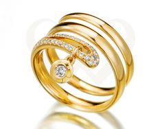 18 KT yellow gold ring with diamonds.