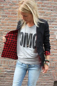 New funky reversible blazer    Now available @  http://www.projectsuitcase.nl/new-collection-objection/new-blazer-rood-wit.html#.UDuO2441Ub4