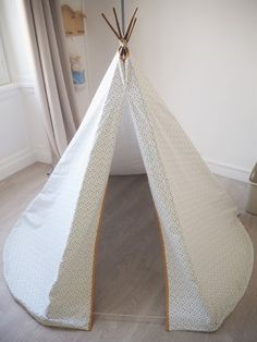tuto kids fabriquer un tipi enfant. Black Bedroom Furniture Sets. Home Design Ideas