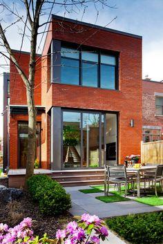 Modern Design: Landsdowne House by Affleck de la Riva Architects Brick Facade, Facade House, House Exteriors, Minimalist House Design, Modern House Design, Modern Brick House, Casa Loft, Hillside House, Historic Homes