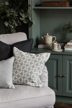 this cosy little nook is the perfect spot to curl up in with a cuppa coco for the holidays Cheap Chairs, Cool Chairs, My Living Room, Living Room Furniture, Green Bookshelves, Ikea Stocksund, Home Library Rooms, Fluffy Cushions, Green Armchair