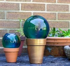 These gazing balls, perfect for gift giving, are super easy to create, and can be used in the garden or as a tabletop decoration.