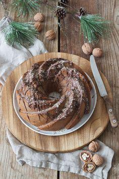 Keksreste-Gugelhupf Rezept - Keksreste-Gugelhupf als Verwertung von Keksresten. // bundt cake made of Christmas leftover cookies // Sweets & Lifestyle®️️ #keksreste #gugelhupf #recipe #bundtcake #christmasleftovercookies #baking #food #cake #sweetsandlifestyle Sweet Bakery, Cake & Co, Fabulous Foods, Christmas Baking, Merry Christmas, Xmas, Cakes And More, Holiday Treats, No Bake Cake