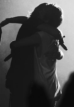 Find images and videos about one direction, louis tomlinson and Harry Styles on We Heart It - the app to get lost in what you love. One Direction Fotos, One Direction Wallpaper, One Direction Pictures, One Direction Harry, One Direction Memes, Larry Stylinson, Great Love Stories, Love Story, Otp