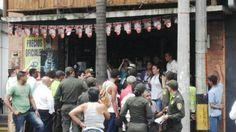 Manifestación contra Santos en Envigado fue impedida por la policía. Galería de Fotos