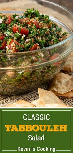 This tabouli salad recipe uses bulgur, juicy tomatoes and vibrant herbs to make the perfect light summer salad. Make tabbouleh for dinner in 20 minutes! Vegetarian Recipes Easy, Easy Salads, Healthy Salad Recipes, Summer Salads, Clean Eating Recipes, Tabouli Salad Recipe, Easy Recipes For Beginners, Summer Recipes, Recipe Ingredient Substitutions