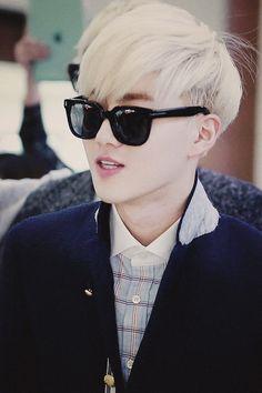 Suho with blonde hair. Got7, 2ne1, Exo Korea, Kim Joon Myeon, Exo Album, Yoseob, Culture Pop, Exo Xiumin, Exo Ot12