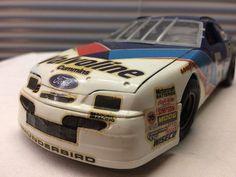 Monogram 1/24 Mark Martin #6 NASCAR Valvoline Thunderbird Model   BUILT 1996 Rls #RevellMonogram