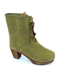 MOHEDA Jenny Clog Boot in Green US 9.5 EUR 41 Moheda http://www.amazon.com/dp/B0067ZK3H2/ref=cm_sw_r_pi_dp_d7Xtub0RS37BQ