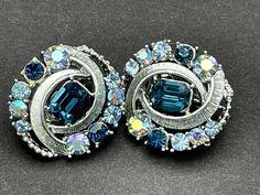 Rhinestone Earrings, Vintage Rhinestone, Vintage Earrings, Clip On Earrings, 60s Jewelry, Vintage Jewelry, Selling Jewelry, Jewelry Supplies, Blue Sapphire
