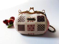 Coin purse / Metal frame purse / Heart shape purse / by DooDesign, $28.90