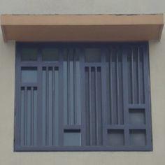 Imagen de verjas de fierro o rejas de fierro en ventanas de herrería