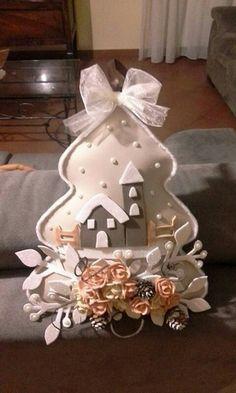 me ~ 46 How to Make DIY Rustic Felt Christmas Trees Christmas Decorations Diy For Kids, Easy Christmas Ornaments, Felt Decorations, Christmas Makes, Diy Christmas Tree, Felt Ornaments, Simple Christmas, Holiday Crafts, Felt Tree